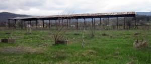 В края на селото сеновалите изглеждат така