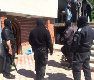 Спецполицаите атакуваха вилата в Деляновци