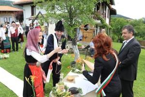 Еленският кмет инж. Дилян Млъзев присъства на бракосъчетанието на Анна и Пламен