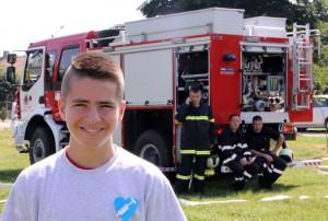 Младият огнеборец Мариян от Самоводене иска футболен тим.
