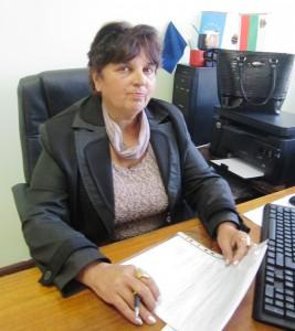 Кметицата Виолета Маринова.