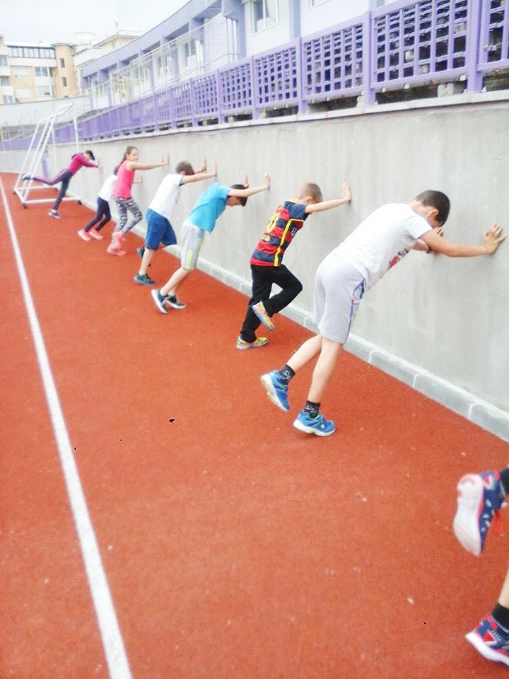 50decb279ce Безплатни тренировки за великотърновските деца по лека атлетика ...