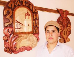 Петър Кирчев на първата си самостоятелна изложба.