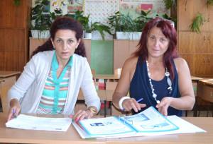 Двете учителки – Недка Колева и Лиляна Славчева.