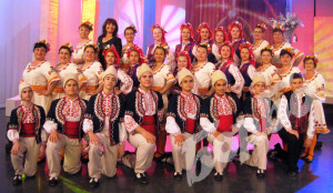 """Участието в """"Иде нашенската музика"""" по БНТ на представителна група от """"Полянци"""" и """"Луди млади"""""""