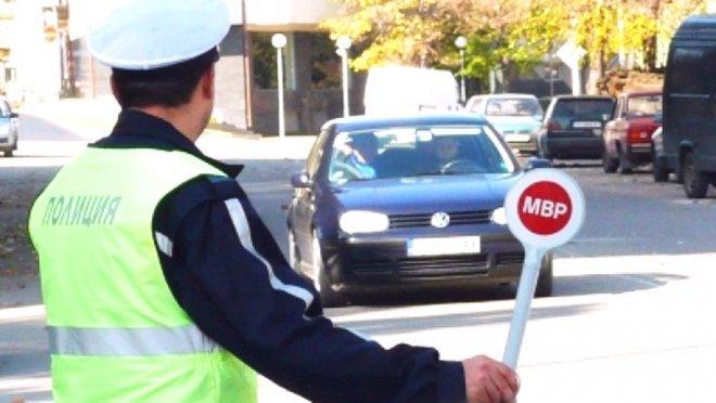 70 глоби по фиш за седмица при акции на полицията в Елена
