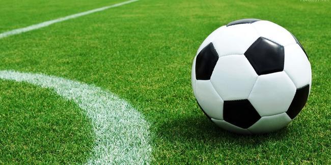 Шестнадесет отбора се включват в Ученическите игри по футбол, мачовете се играят на новия изкуствен терен