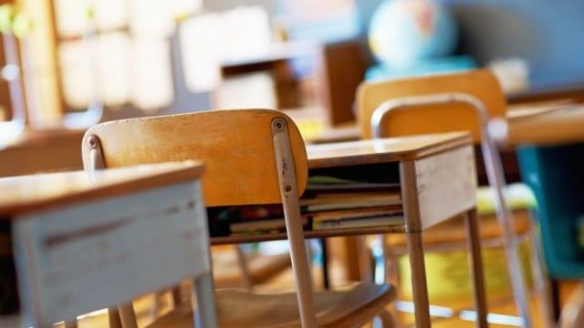 77 паралелки и осем нови специалности искат училищата в областта