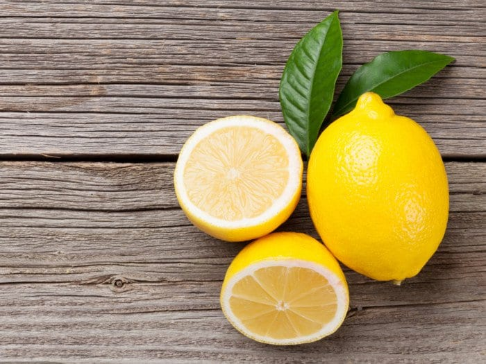 Пролетно почистване с лимони