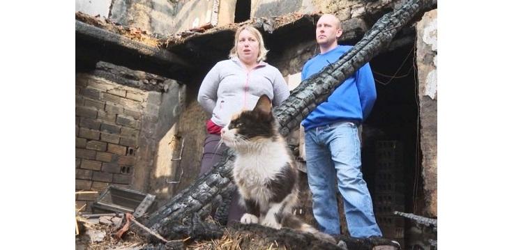 Младоженците от Масларево, които останаха без дом след пожар, тръгват отново на гурбет