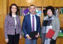 Новият шеф на Районния съд във В. Търново Младен Димитров получи от предишната председателка на институцията компас