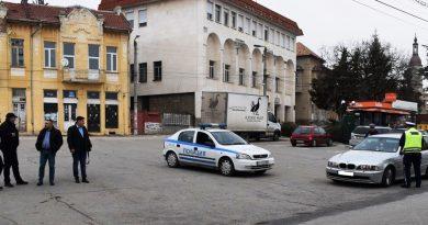 """10 арестувани при спецакция в Сухиндолско, ирландец кътал патрони за """"Калашников"""" в Димча"""