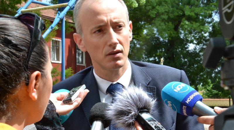 Министър Вълчев даде една година отсрочка на училището в Поликраище