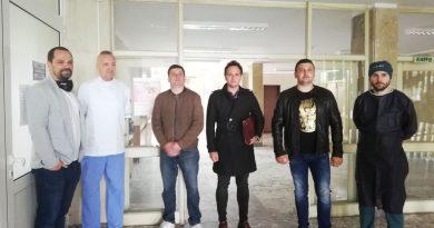 """Фондация """"Ген. Протогеров"""" дари ценна апаратура на търновското родилно отделение"""