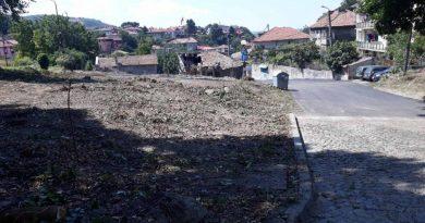 """Приключи асфалтирането на една от най-разбитите улици в Свищов – """"Полк. Емануил Чакъров"""""""