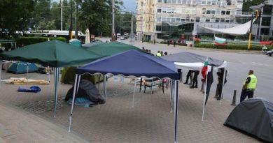 МВР разчисти всички блокади в страната и възстанови движението