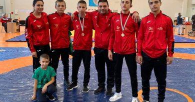 Сребро и бронз за горнооряховската борба от шампионата за момчета