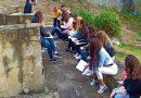 Преподаватели от ВТУ провеждат лекции в аудитория на открито