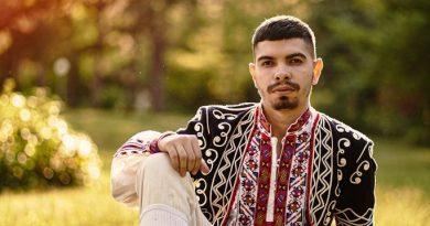 Светлозар Христов – Заро, дебютира с фолклорна песен в телевизионния ефир