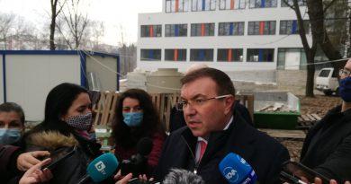 """Проф. Костадин Ангелов:""""Хотелите и ресторантите са важни, но приоритети са ни здравеопазването, образованието, културата и спорта"""""""