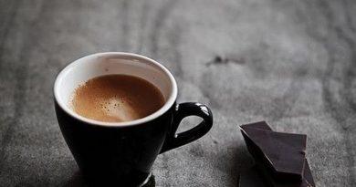 Кафето и черният шоколад правят хората щастливи, а кое ги потиска?