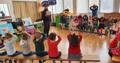 "Старши комисар Димитър Машов гостува на малчуганите в детска градина ""Соня"""