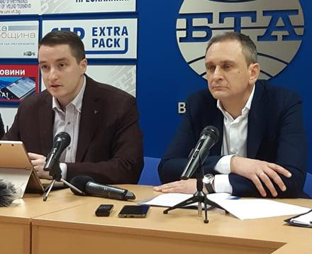 Депутатите Явор Божанков и Валентин Ламбев отчетоха мандата си