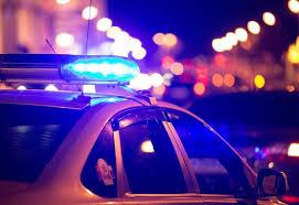 Мотоциклетист пострада при удар в лек автомобил