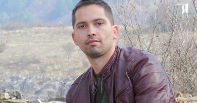 Млад учен прави регистър на българското монументално изкуство