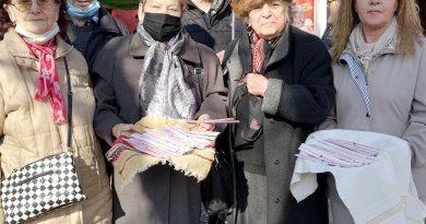 """В навечерието на 1 март членовете на ККП """"Щастливеца"""" в гр. Свищов подариха 60 мартеници на свои съграждани"""