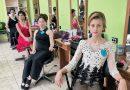 10 ученици от гимназията по моден дизайн мериха сили в конкурс за най-добър фризьор