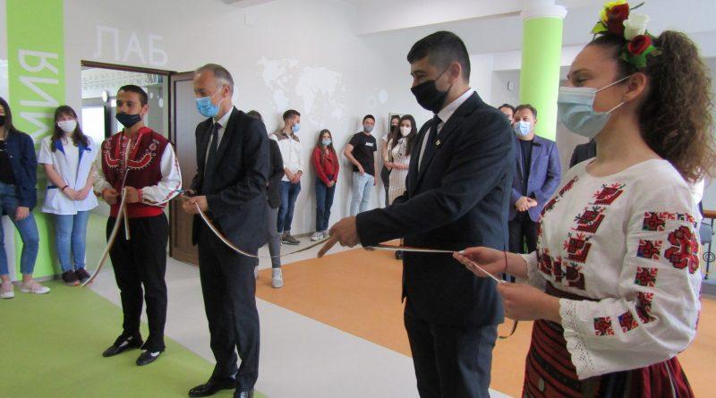 """Министърът на образованието в оставка Красимир Вълчев: """"Целта ни е Велико Търново да е един от центровете за развитие и обучение по информационни технологии"""""""