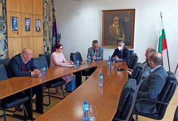 Делегацията от Албания на среща с ректора на ВТУ