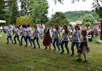 Над 140 самодейци се включиха в Събора на читалищата в Марян