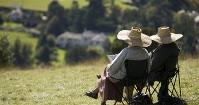 Окончателно: Вдигат пенсиите средно с 64 лв. от 1 октомври