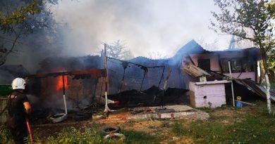 Четири пожара за два дни в Крушака влудиха огнеборците