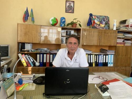 Директорът на училището Йордан Джартов