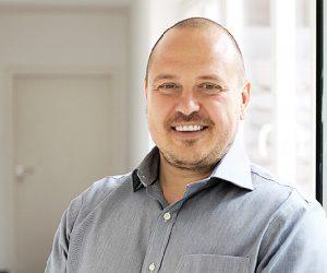Възпитаникът на свищовската академия Йото Йотов събра и дари 100 000 лева за децата с аутизъм