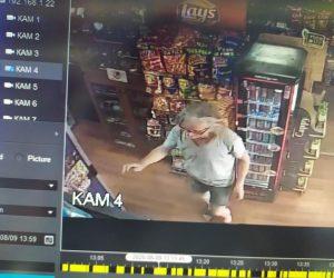 Крадец подлъга магазинерка да му налее вода и открадна пари от касата й