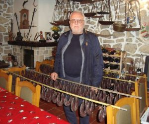 Тошо Кръстев пази тайната на 300-годишните арбанашки салхани