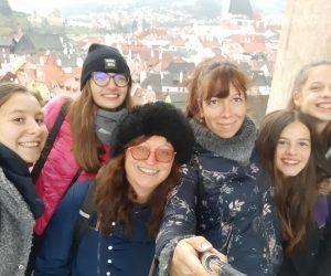 """Двама учители и четирима седмокласници от СУ """"Емилиян Станев"""" бяха на работна среща в Чехия"""