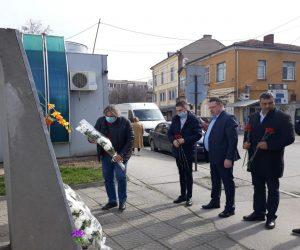 Почетоха паметта на загиналите при адското земетресение в Свищов преди 44 години